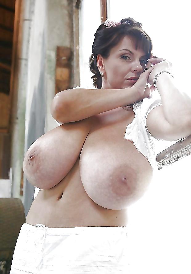 Teenager Große Brust frei Große Brüste?