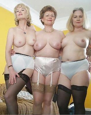 Frauen von 50 Jahren in Aktbildern
