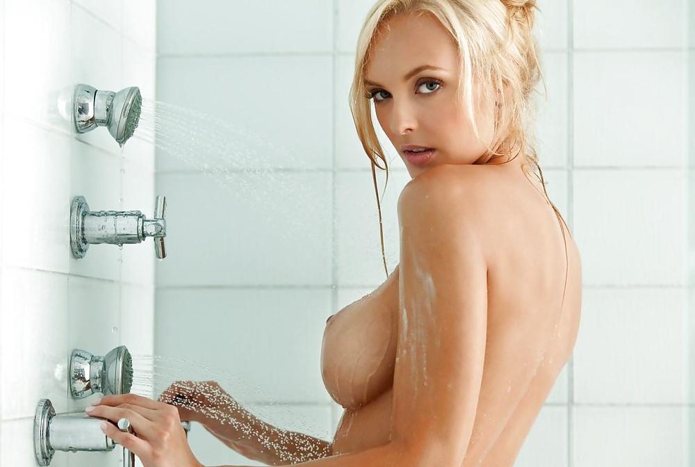 Schönheiten mit blonde Haar in Acktbildern