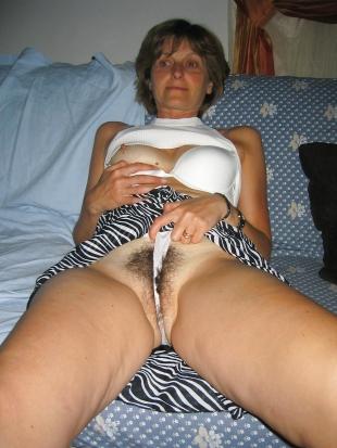 Reife Frauen haben dralle Titten noch.